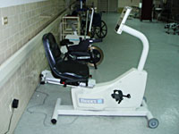 下肢等速肌力訓練機照片